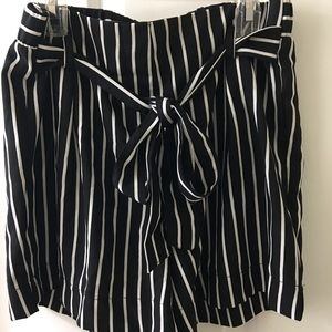Comfy and cute black and white shorts